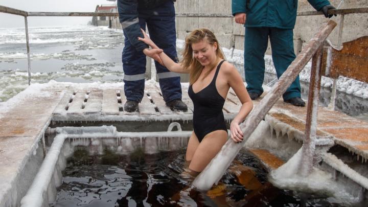 700 спасателей вам в помощь: МЧС подготовилось к Крещению