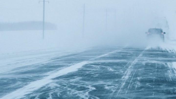 ГИБДД объявила о неблагоприятной ситуации на дорогах Волгоградской области из-за снегопада