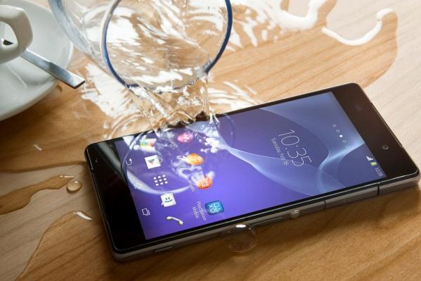 100-процентной гарантии спасения смартфона нет, но обращение к специалистам значительно повышает шансы на благополучный исход