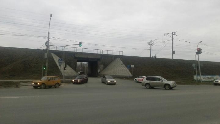 Один из выездов на Бердское шоссе закроют на шесть часов из-за ремонта дороги