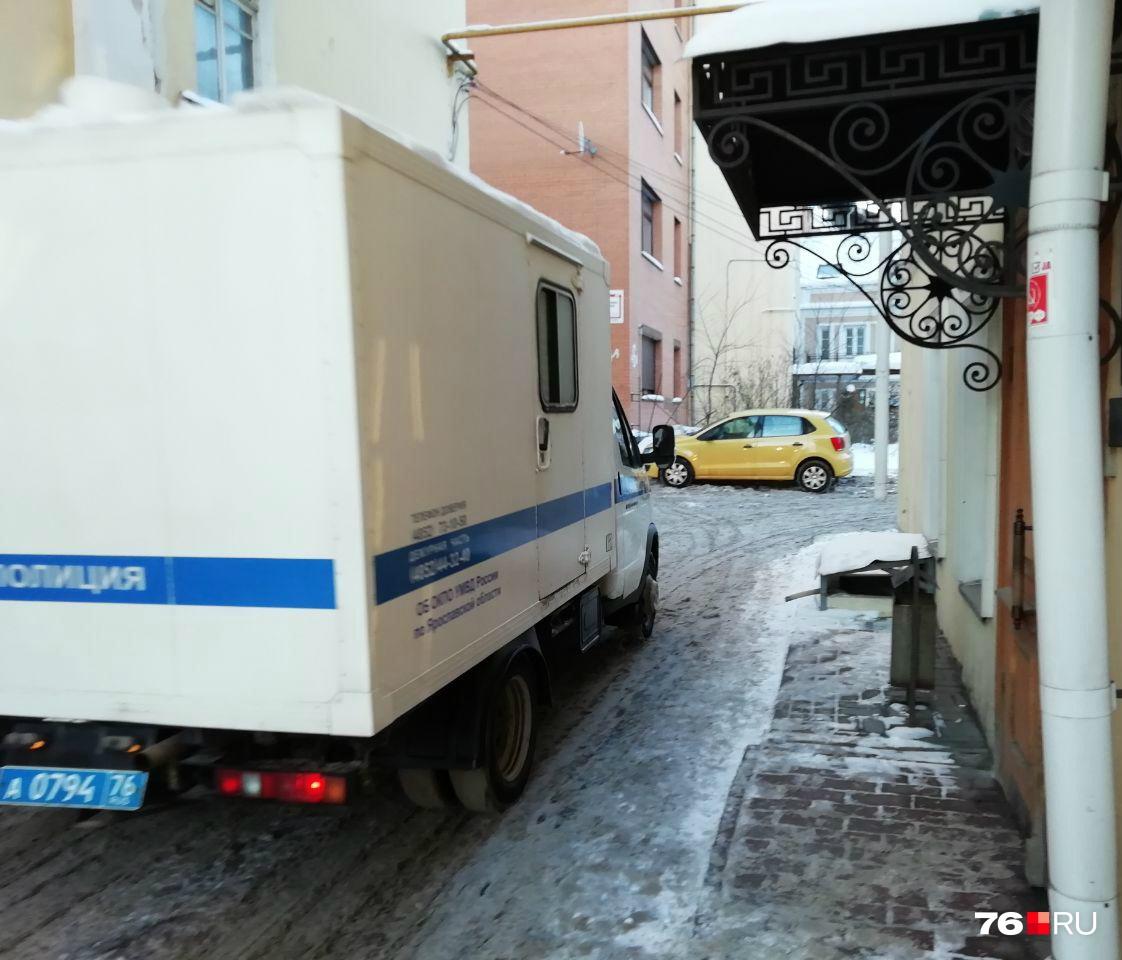 Из СИЗО в суд Николая Сорокина привозят под охраной