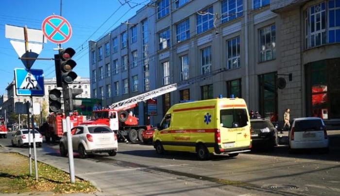 Пожар начался с нижних этажей