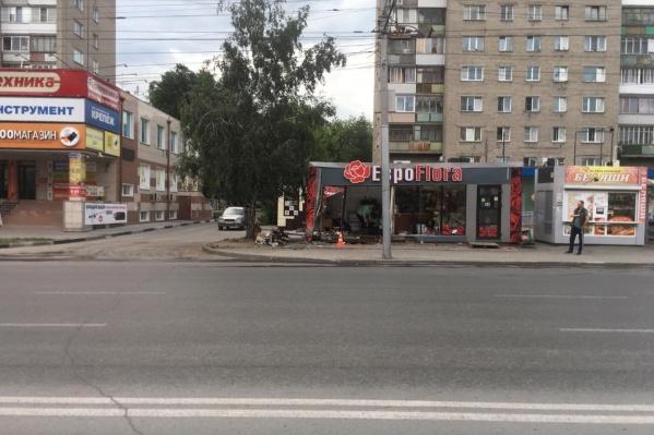 Авария случилась на улице Бориса Богаткова в 2:40