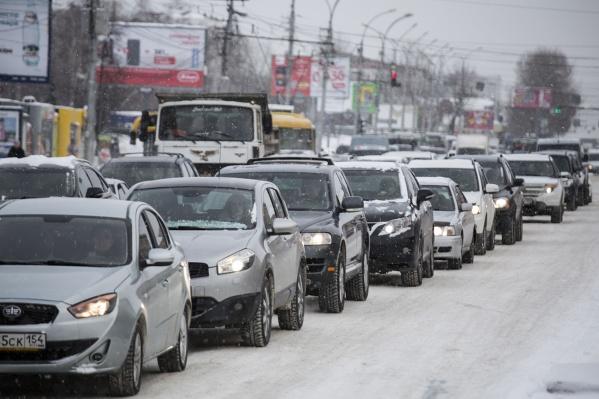 За год продажи подержанных машин выросли в Новосибирской области почти на 3%