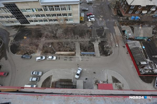 Девушка упала с 7-го этажа
