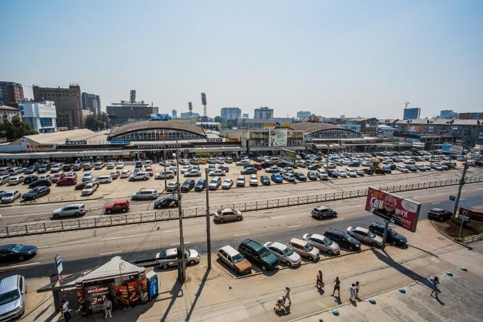 Городские службы уверены, что часовое ограничение на бесплатную парковку не доставит неудобств покупателям Центрального рынка