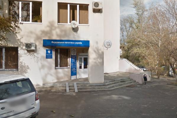 Госслужащий оценил «свои услуги» в 500 тысяч рублей