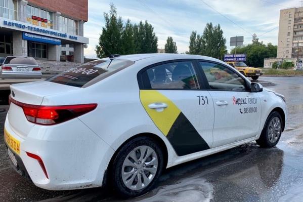 Максим рассказывает об особенностях работы разных компаний такси