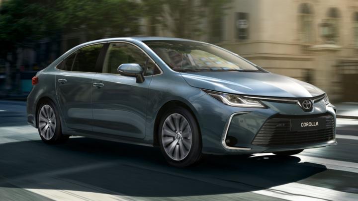 Готовьте миллион: «Тойота» представила новую «Короллу» с богатым салоном