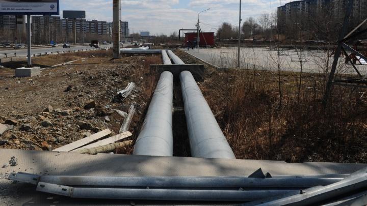 Энергетики объяснили, почему не открыли улицу Колмогорова, которую разрыли три месяца назад
