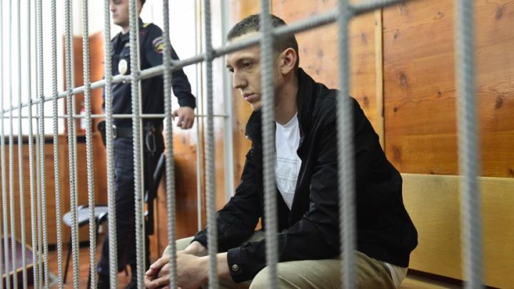 Виновник смертельной аварии на Малышева останется в СИЗО до октября