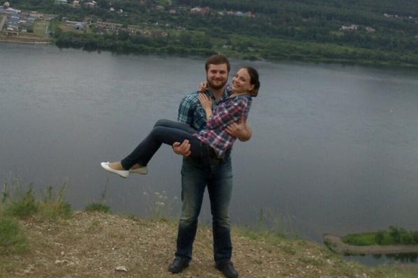 Ксения и ее бывший муж Федор, фотографии были сделаны пять лет назад