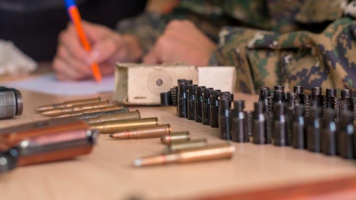 «Пистолеты, патроны, гранаты»: самарцы заработали на добровольной сдаче оружия 300 000 рублей