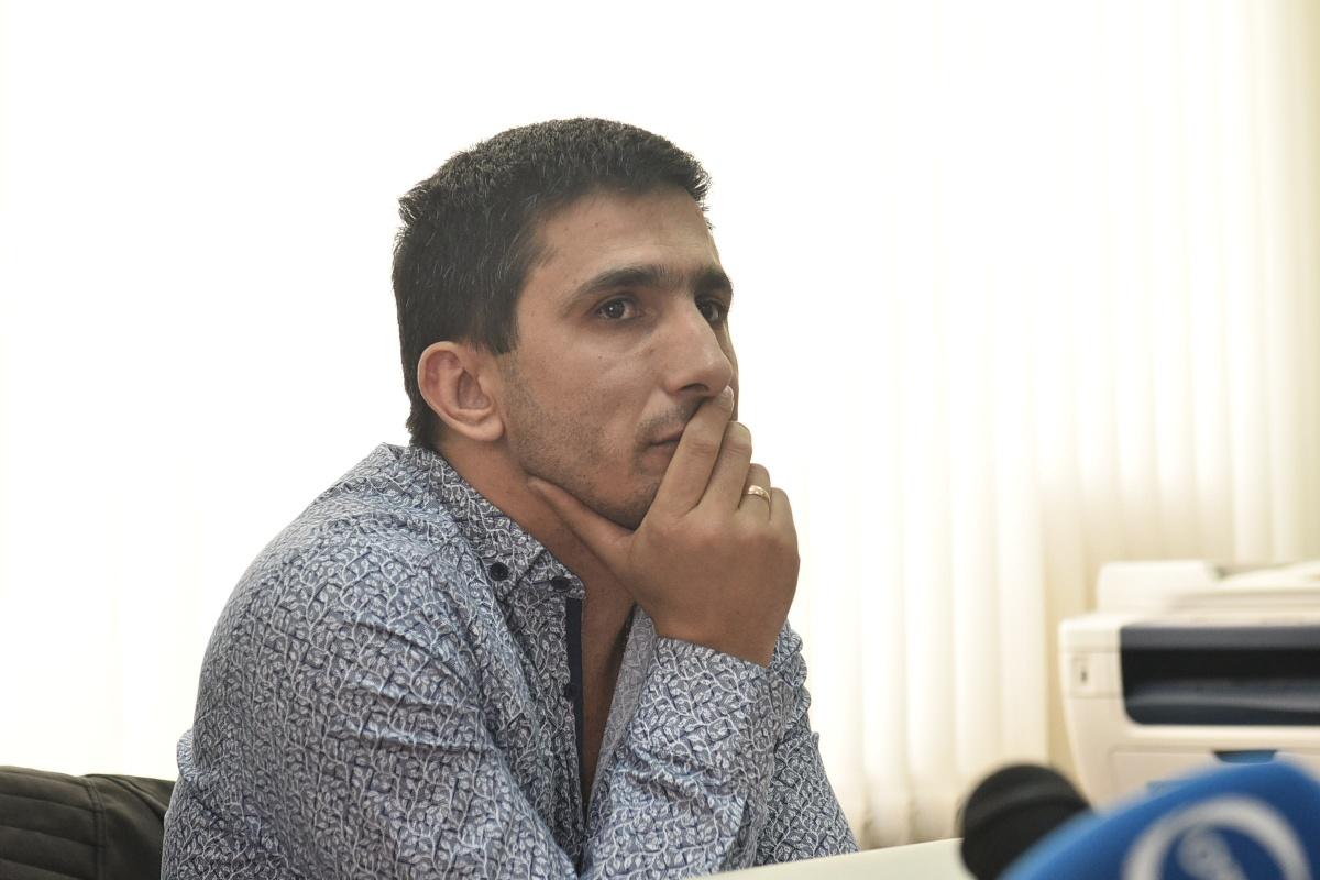 Мурат Генесян обвиняет родственника в избиении и заявляет, что он никакой не герой
