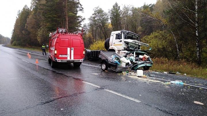 На трассе Москва — Челябинск под колёсами КАМАЗа погибла семейная пара