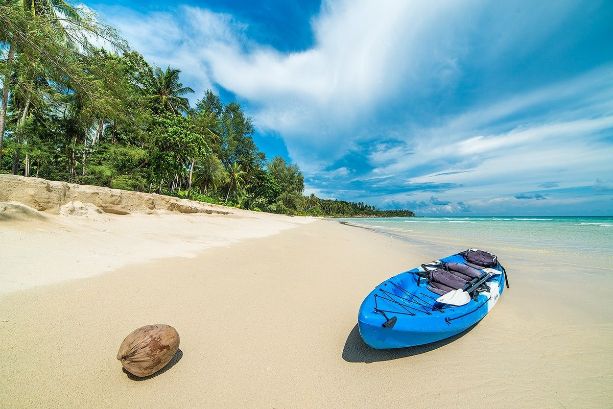Море и песок, что еще нужно на отдыхе?