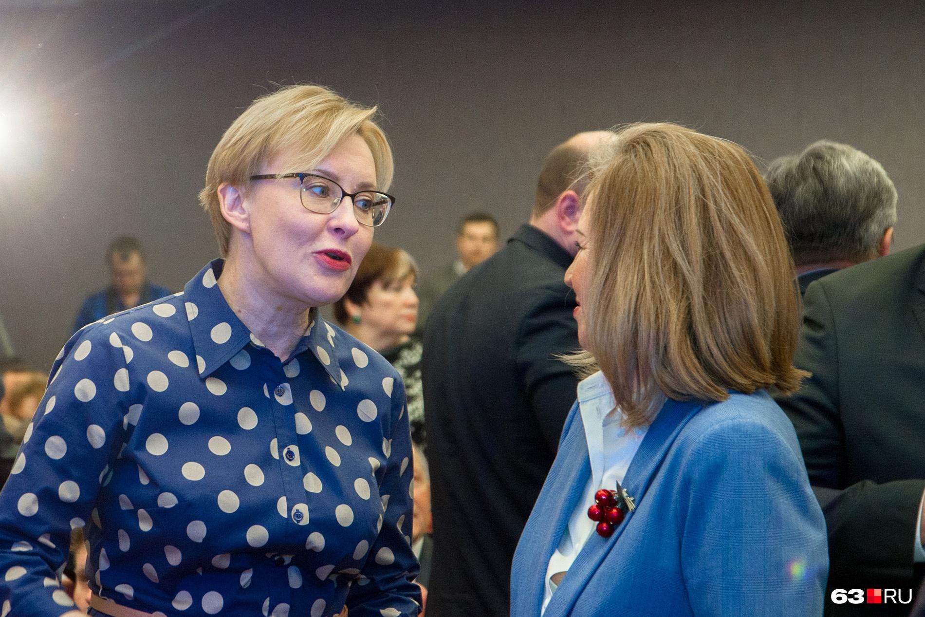 "Когда Елена Лапушкина стала мэром, она <a href=""https://63.ru/text/politics/53311571/"" target=""_blank"" class=""_"">обещала навести</a> порядок в сфере ЖКХ"