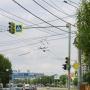 В Челябинске «прокачали» светофор на Труда: столб, на котором он установлен, теперь тоже светится