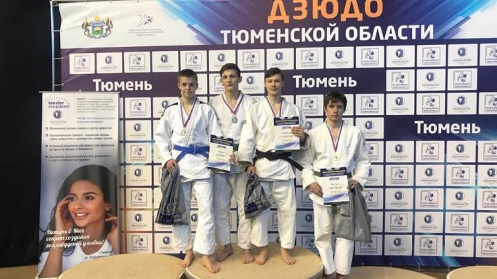Курганские спортсмены стали победителями межрегионального турнира по дзюдо