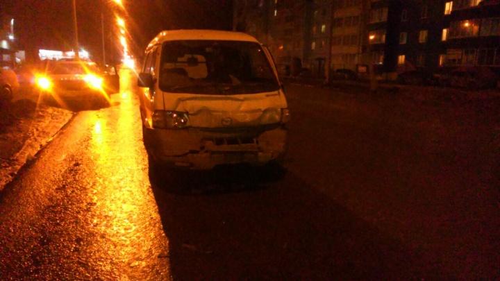 Микроавтобус не затормозил перед пешеходным переходом и врезался в «Жигули»