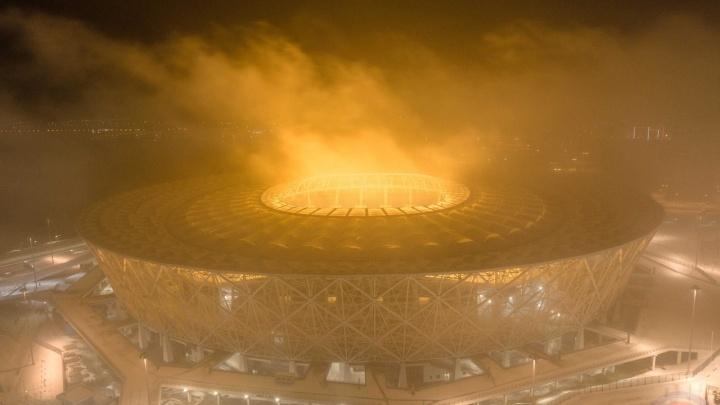 «Пылевая буря, как в Эмиратах?»: над «Волгоград Ареной» запечатлели необычное свечение