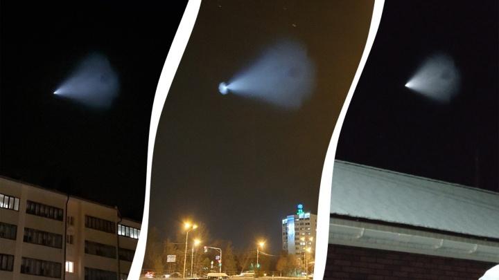 «Дети решили, что это привидение, и убежали»: жители Башкирии обсуждают взрыв, который видели в небе
