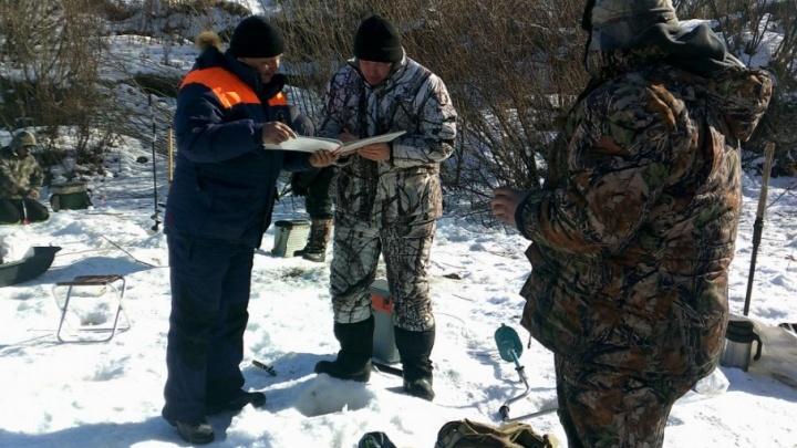 Для рыбаков и вечно спешащих: зауральские инспекторы провели рейд «Безопасный лед»