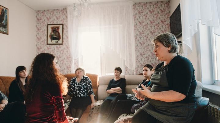 «Сын вернулся домой с синяком»: родители обвиняют заслуженного учителя из Винзилей в унижении детей