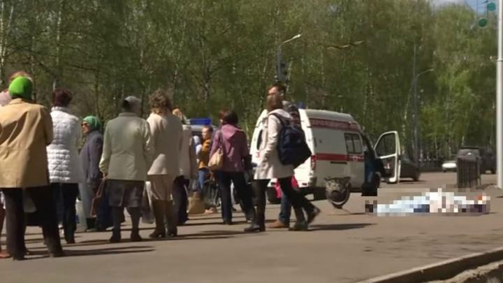 В Башкирии на остановке умерла женщина