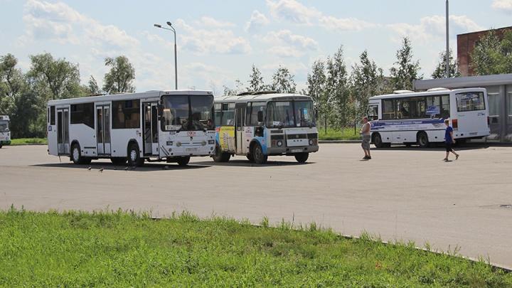В дептрансе рассказали, на какие частные автобусы можно пересесть бесплатно из сломавшихся