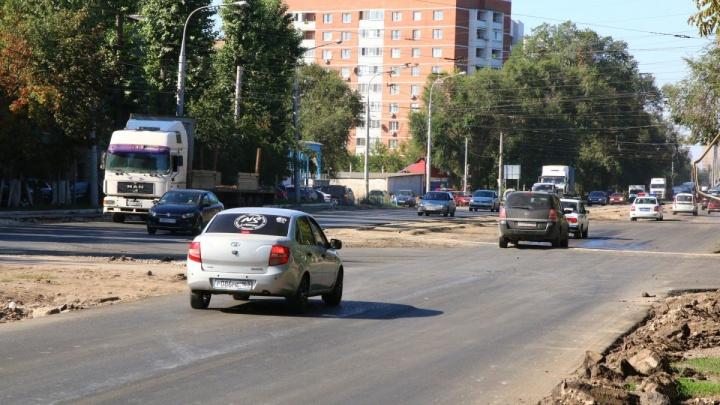 На Заводском шоссе уложат три слоя асфальта и оборудуют 280 парковочных мест