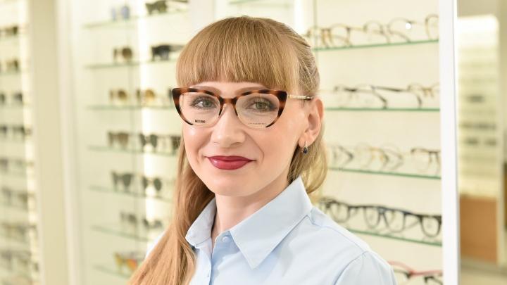 """«""""Армани"""" не может так стоить!»: как покупатели салона брендовой оптики реагируют на суперскидки"""