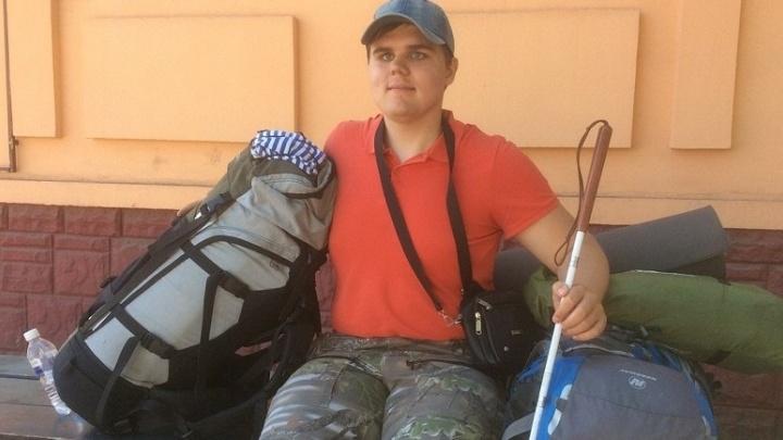 Сменили в пути 25 машин: незрячий путешественник из Екатеринбурга автостопом доехал до Байкала
