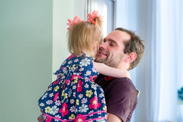 Алексей сам попросил руководство дома ребёнка, чтобы Ида осталась у них ещё на полгода