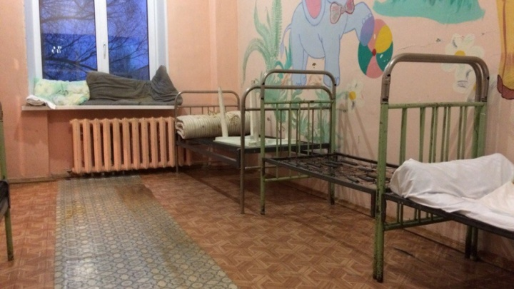 «На втором этаже летали чёрные бабочки»: пациенты больницы под Челябинском пожаловались на разруху
