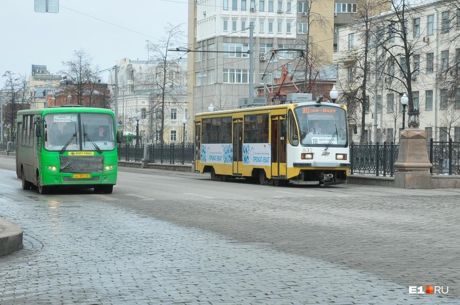 Сегодня вечером часть улиц вцентре Екатеринбурга перекроют из-за репетиции парада Победы