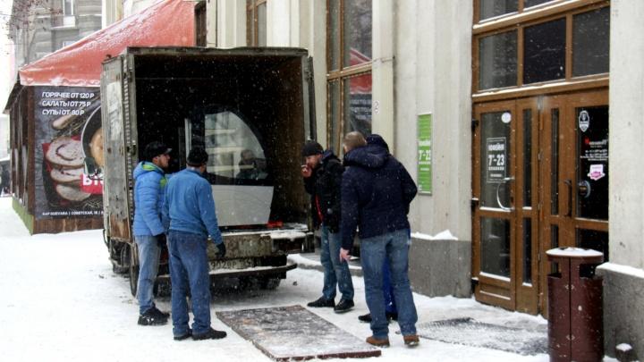 «Трэвелерс» и «Мехико», прощайте: в Новосибирске закрылись сразу пять старейших ресторанов