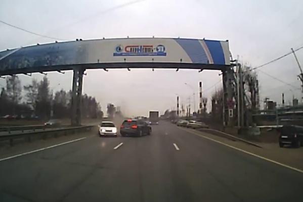 Виновницей аварии сделали женщину за рулём белой «Тойоты»<br>
