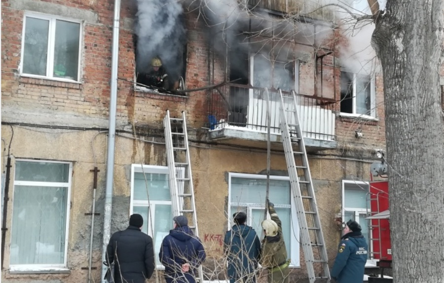 Пожар тушили почти два часа