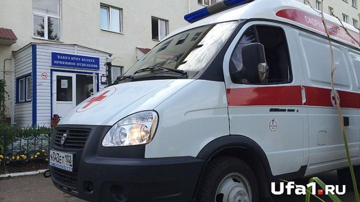 В Башкирии годовалая девочка выжила, упав с четвертого этажа