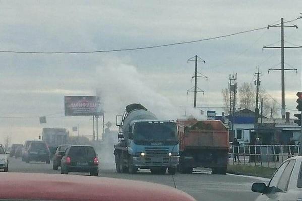 Источник дыма был между кабиной и кузовом
