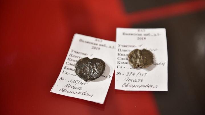 Ими владели церковные олигархи: в Ярославле во время раскопок обнаружили княжеские печати