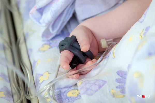 Женщина давала малышу алкоголь, чтобы он спал и не капризничал