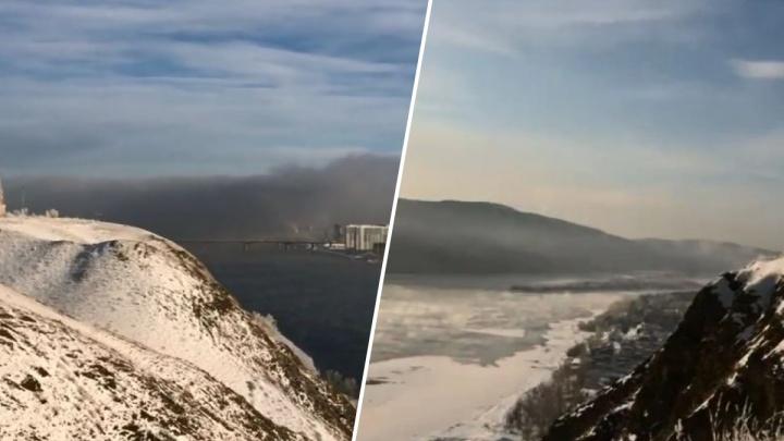 «Поедем обратно в Мордор»: красноярец показал вид на город под черным куполом с берега в Академгородке