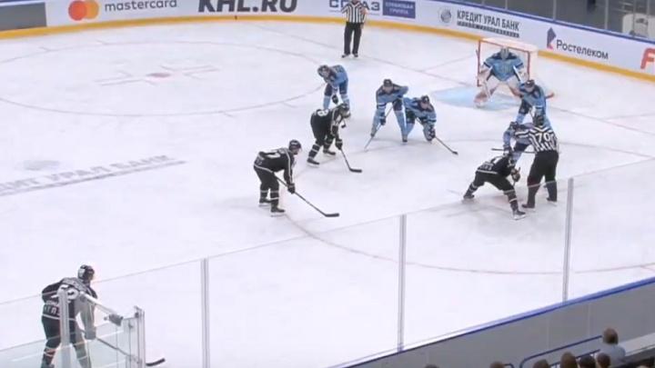 Хоккейная «Сибирь» проиграла челябинскому «Трактору» на турнире Ромазана