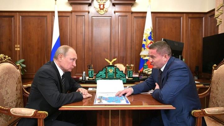 В нарушение «майских указов»: власти Волгоградской области платят бюджетникам меньше нормы Путина