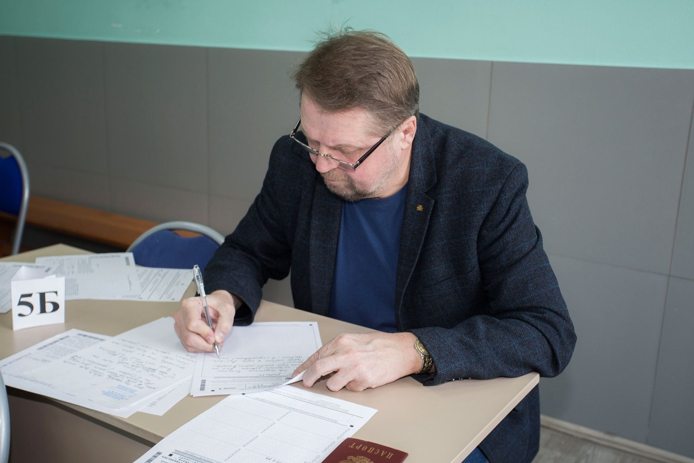 Среди участников оказались знакомые многим лица — например, краевед Константин Голодяев...