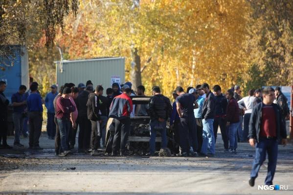 Конфликт на Хилокском рынке перерос в перестрелку и поджог автомобиля