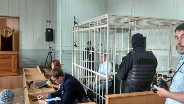 В суд привезли Анатолия Радченко, обвиняемого по громкому делу банды «Труновских»