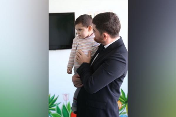 Вместо родных к пришедшему в себя мальчику с игрушками приходил прокурор